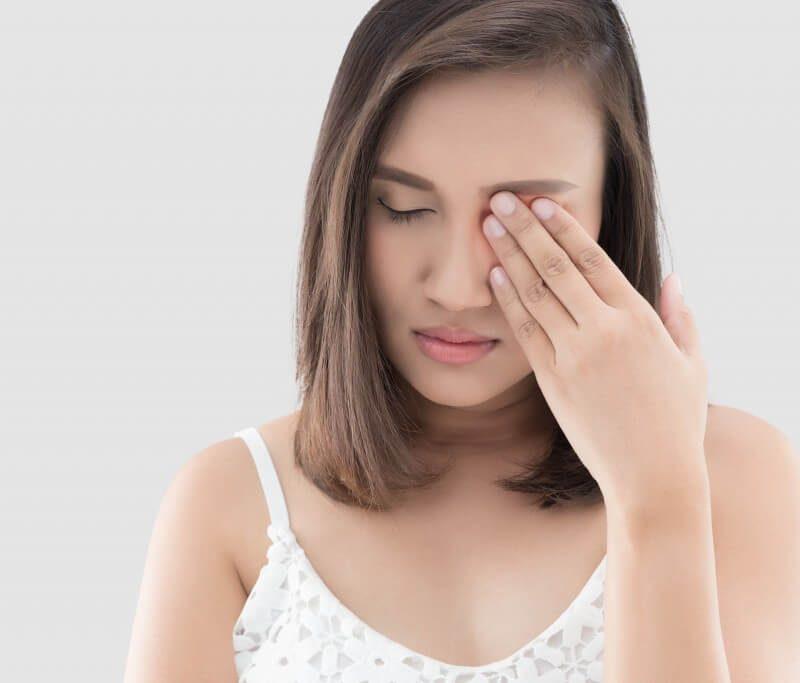 Giật mắt phải ở nữ là điềm báo gì? Xem điềm báo qua việc nháy mắt ở nữ