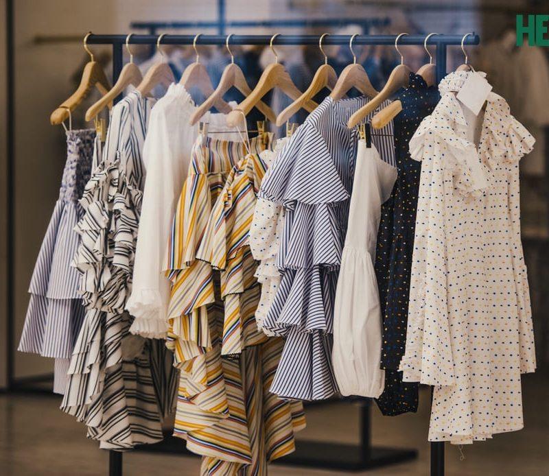 Nằm mơ thấy quần áo, mua quần áo điềm báo gì, lành hay dữ?