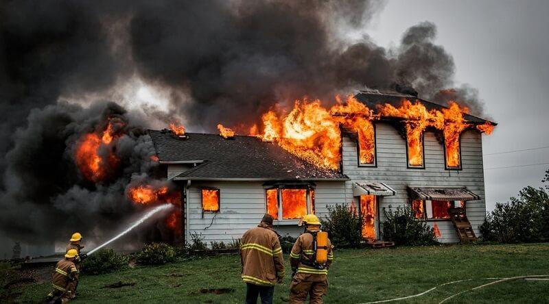 Mơ thấy nhà cháy